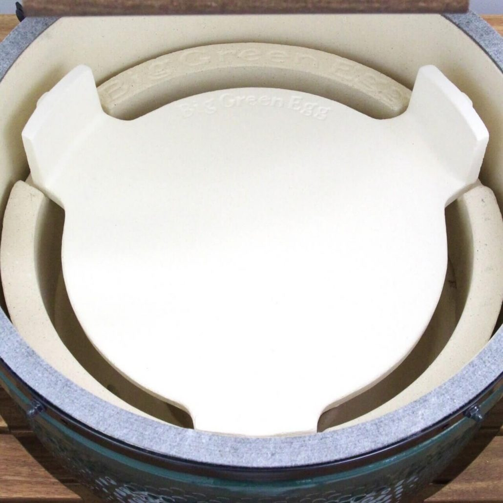What is the Big Green Egg plate setter?