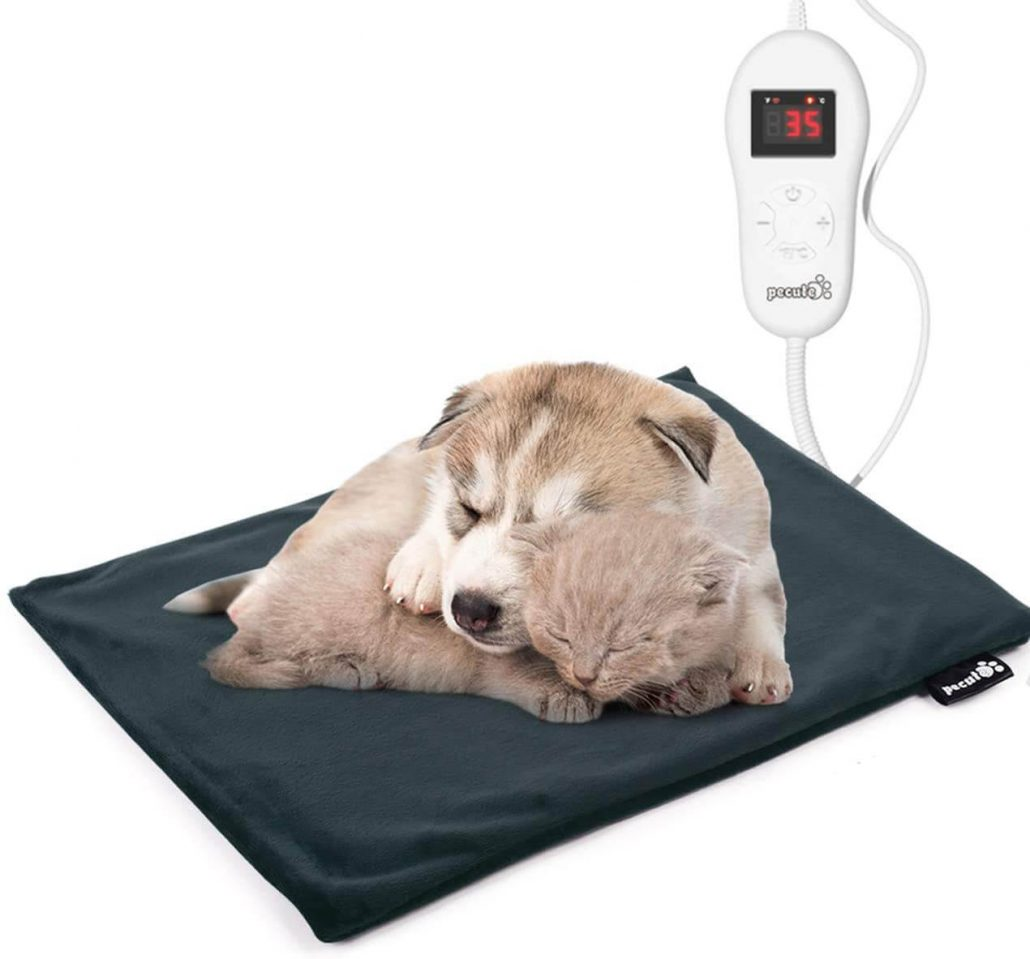 Heated dog bed by Pecute with two overheating protectors.