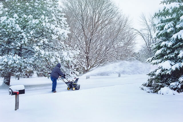 Can snowblowers be stored outside?