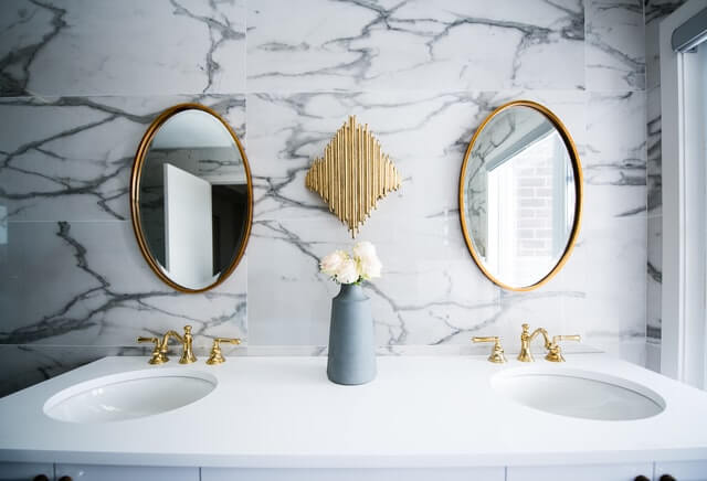 Bathroom remodeling ideas on a budget.