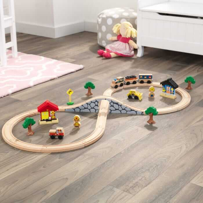 Figure eight train set for toddlers by KidKraft.
