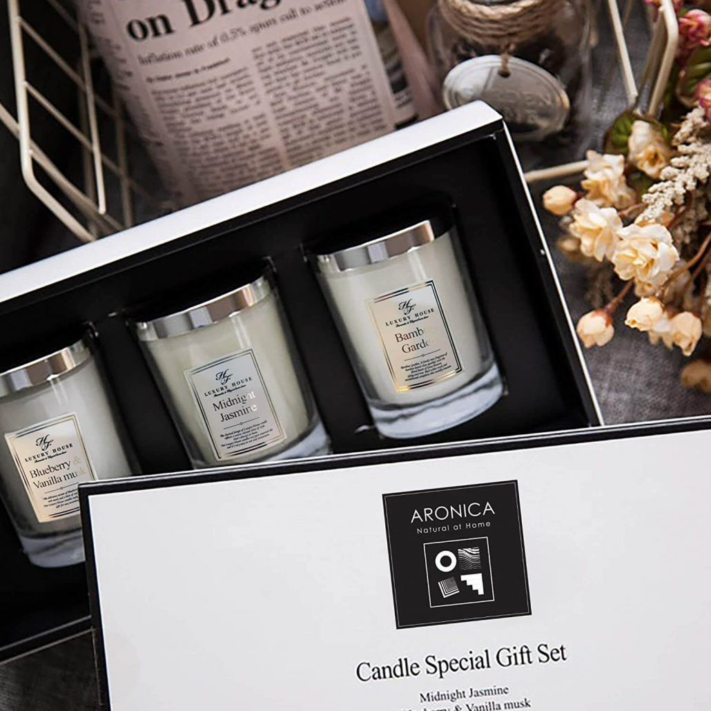 Aronica soy candle gift set for Mom.