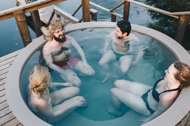 How much do hot tubs cost to run?