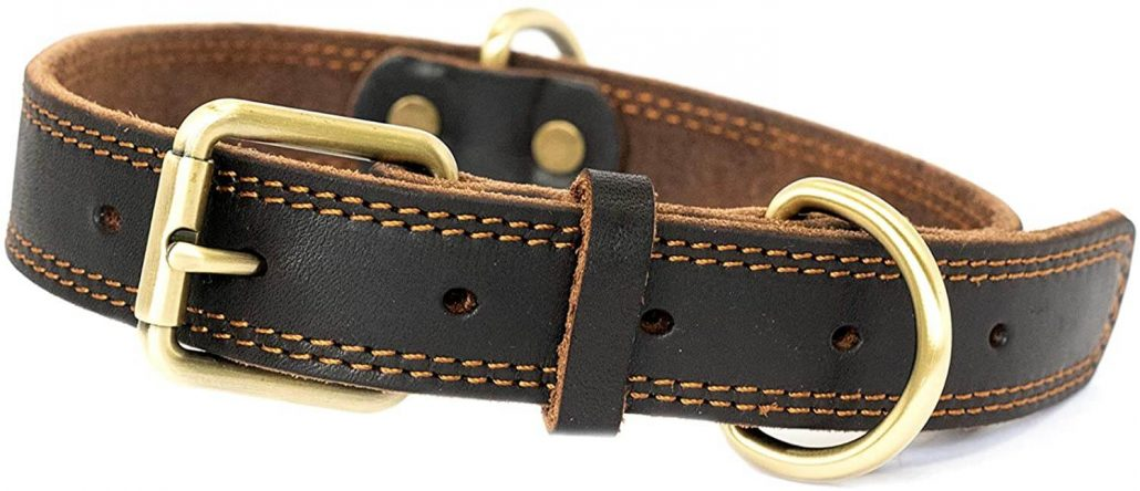 Leather dog collar by Snufflemart.