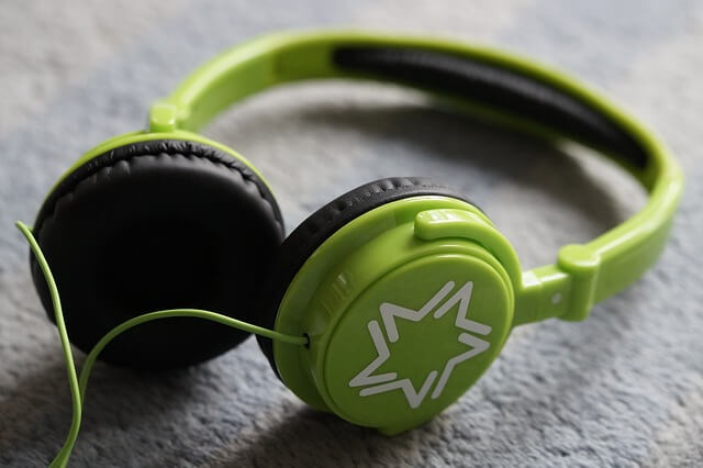Are headphones bad for children's ears?