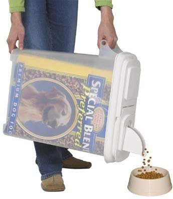 8 gallon dog food storage dispenser by Budeez.
