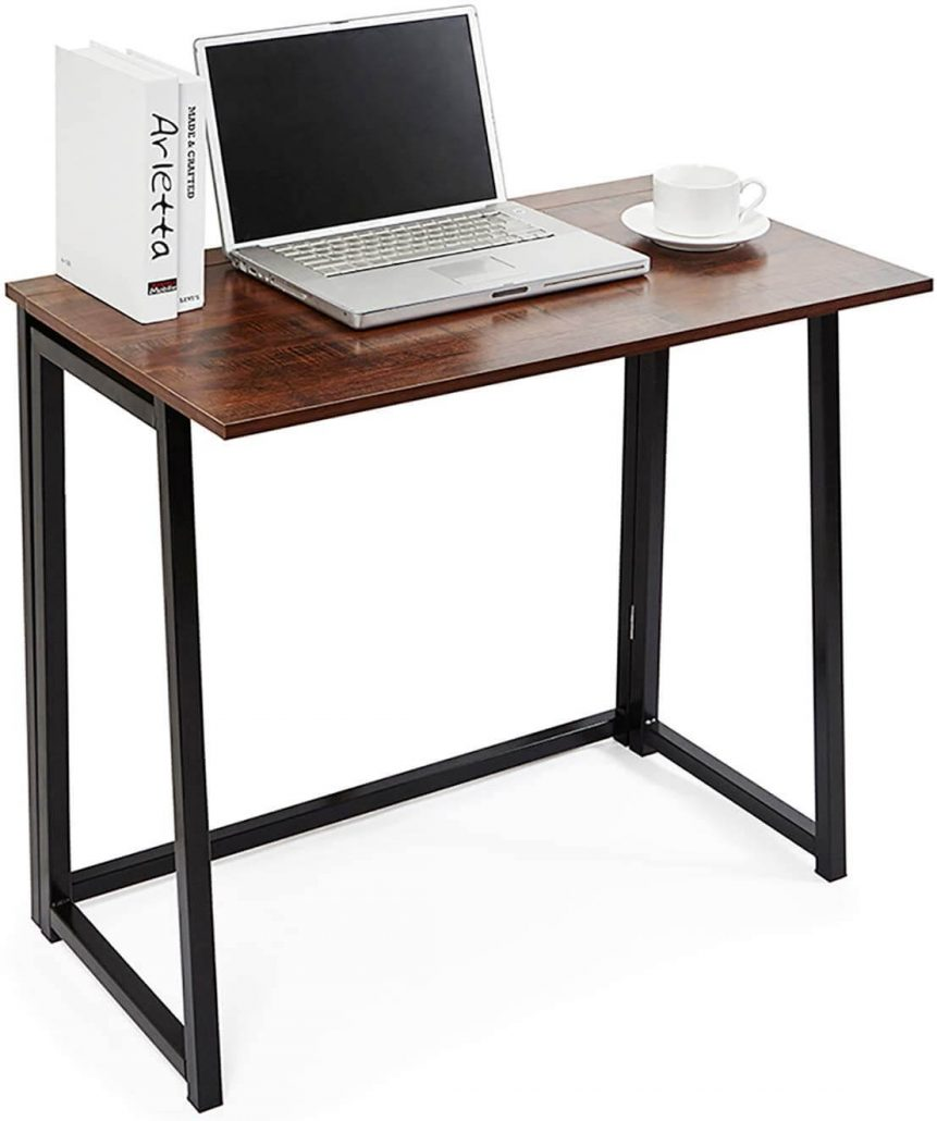 Small folding computer desk by Thanaddo.