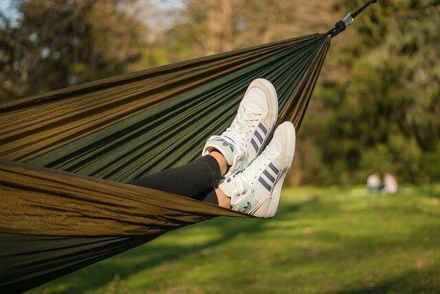 Is sleeping in a hammock bad for you?