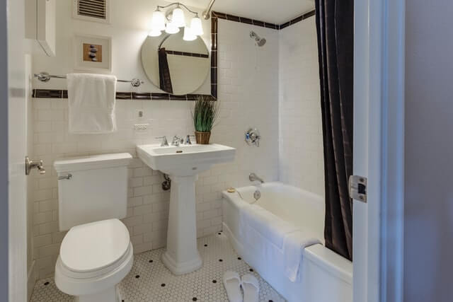 What is the best way to organize your bathroom?