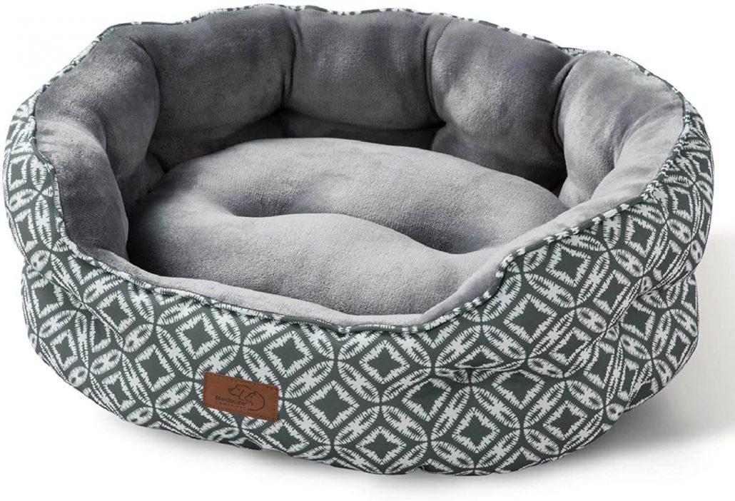 Modern round fleece cat bed by Bedsure.