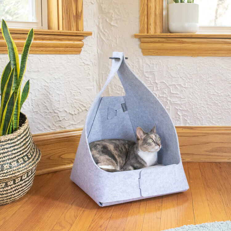 Modern cat bed tipi made with felt and cushion by Wiski Ray.